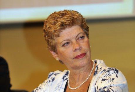 Feteerj e Sindicatos Filiados repudiam perseguição pelo MEC à professora Malvina Tuttman